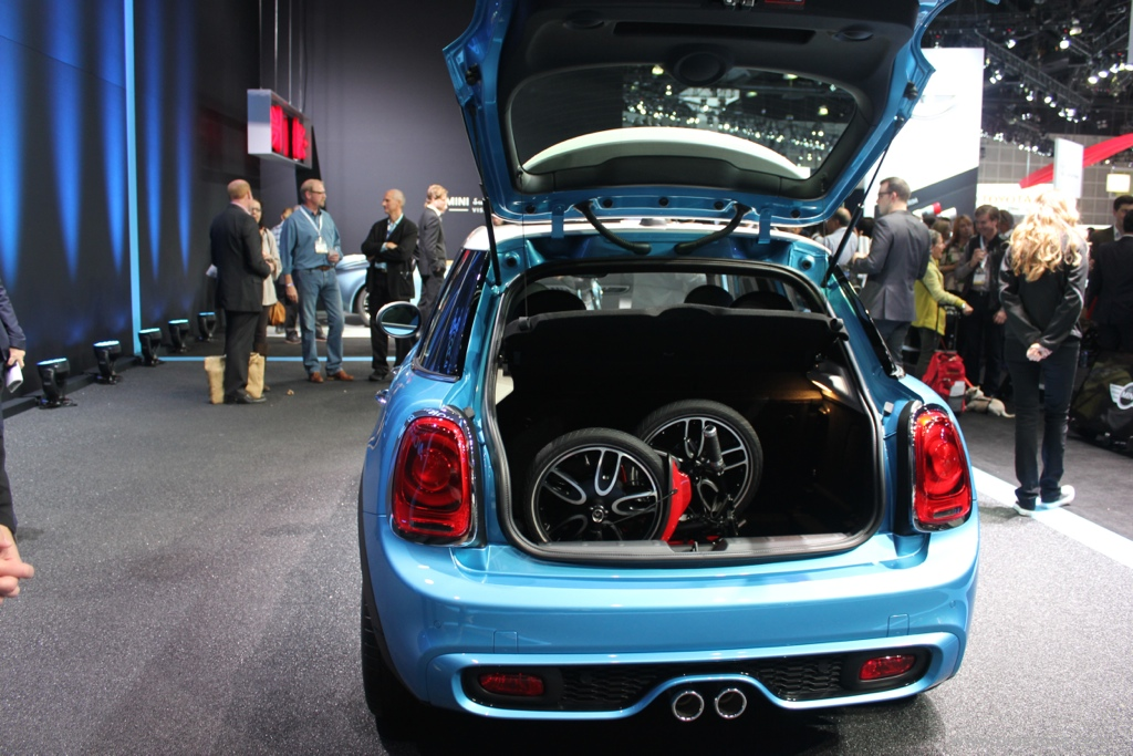 MINI Mini Hardtop, Mini Hardtop 4-door, LA Auto Show MINI