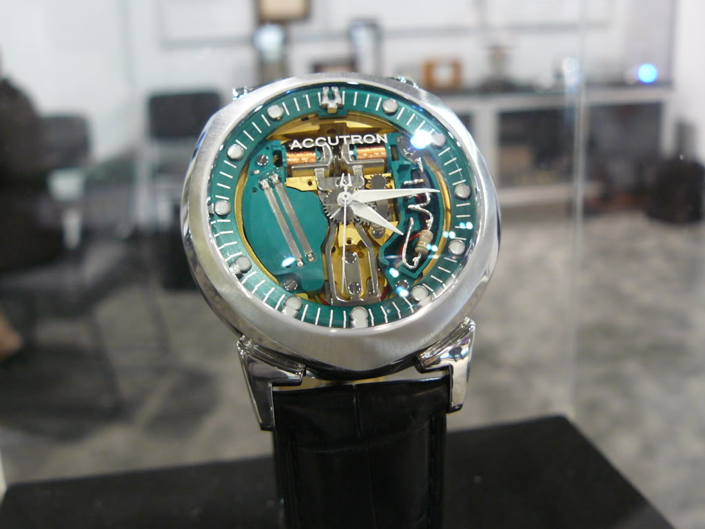 Accutron tuning fork, Accutron 1960, Bulova Accutron II UHF, torsional quartz watch, Accutron II UHF, Bulova Ultra High Frequency, Bulova Lobster, Bulova Lobster UHF, Lobster UHF