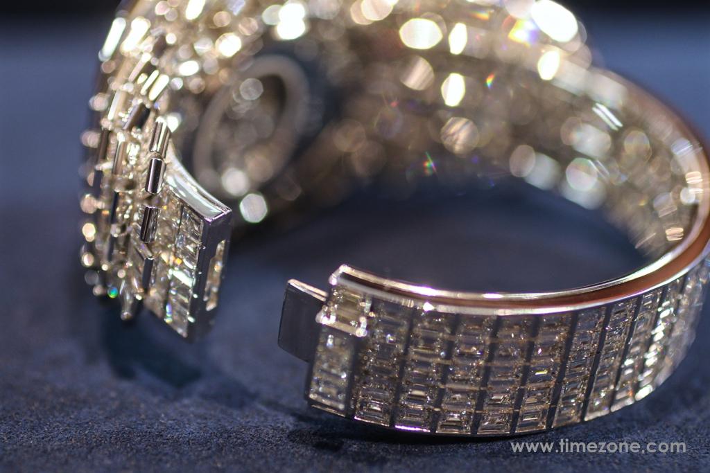 Breguet Crazy  Flower  Full  Baguette, Breguet Haute Joaillerie Reine de Naples, Breguet High Jewelry, Breguet Crazy Flower, Breguet diamond bracelet, Breguet GJE25BB20.8989FB1