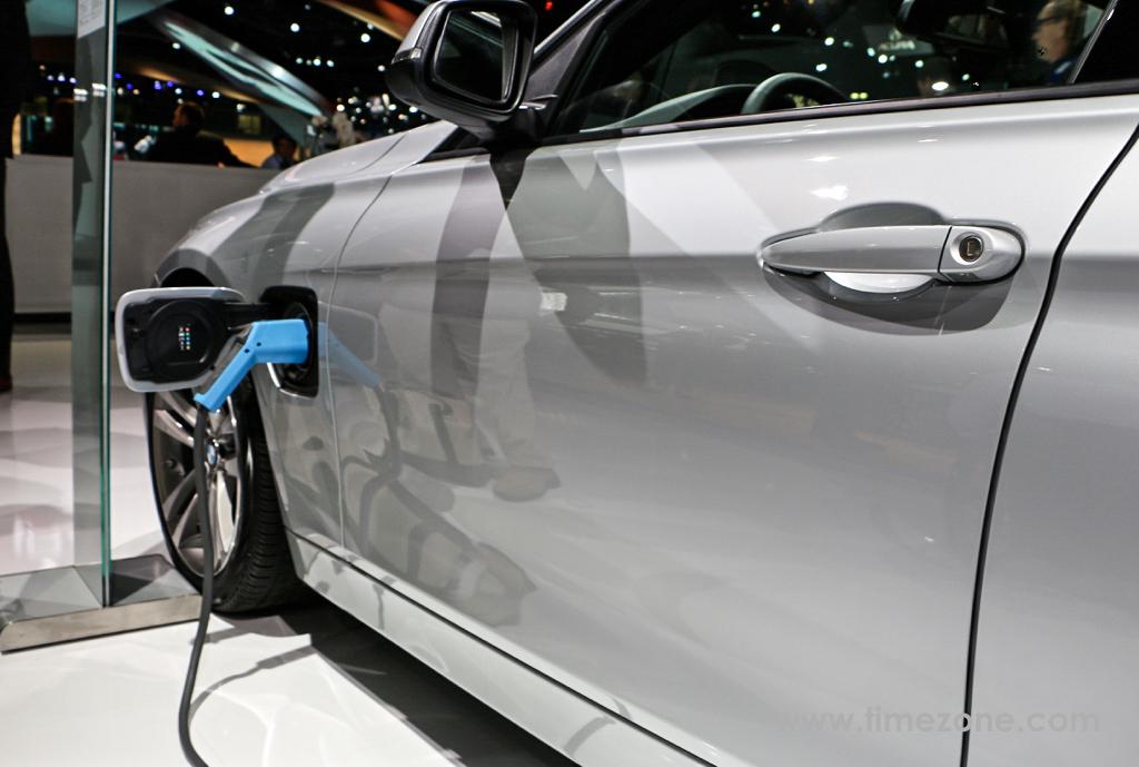 BMW 330e, BMW 330e eDrive, BMW 330e LA Auto Show