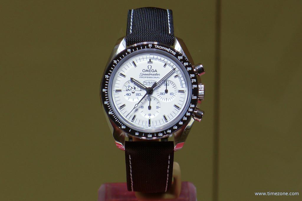 Omega Speedmaster Moonwatch Professional Silver Snoopy Award, Omega Speedmaster Snoopy