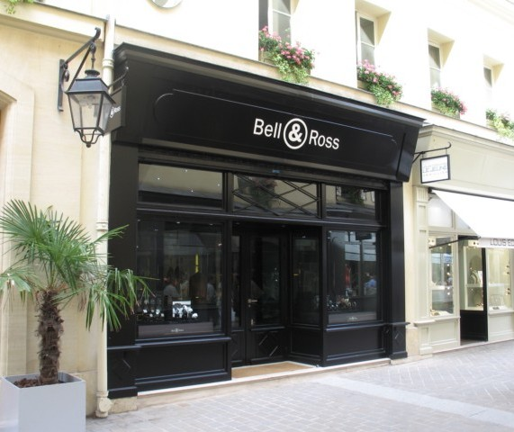 timezone industry news industry news bell ross opens its first boutique in paris. Black Bedroom Furniture Sets. Home Design Ideas