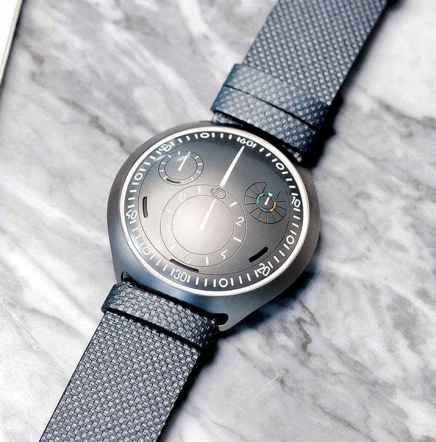 Ressence Watch's new Type 2 e-Crown Eresen10