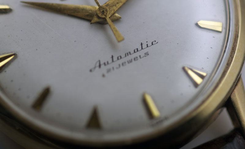 http://people.timezone.com/kohei/seikovintage2/automatic.jpg