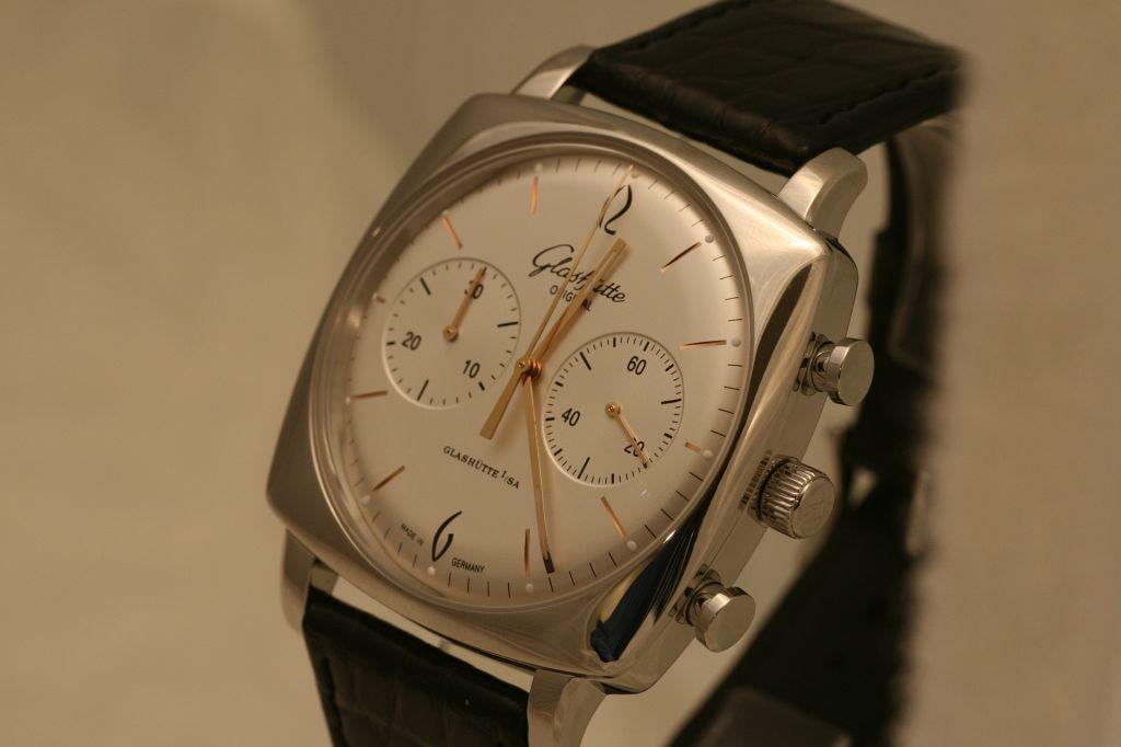 NEWS: GO Senator Sixties Square Chronograph Basel2009_GO076
