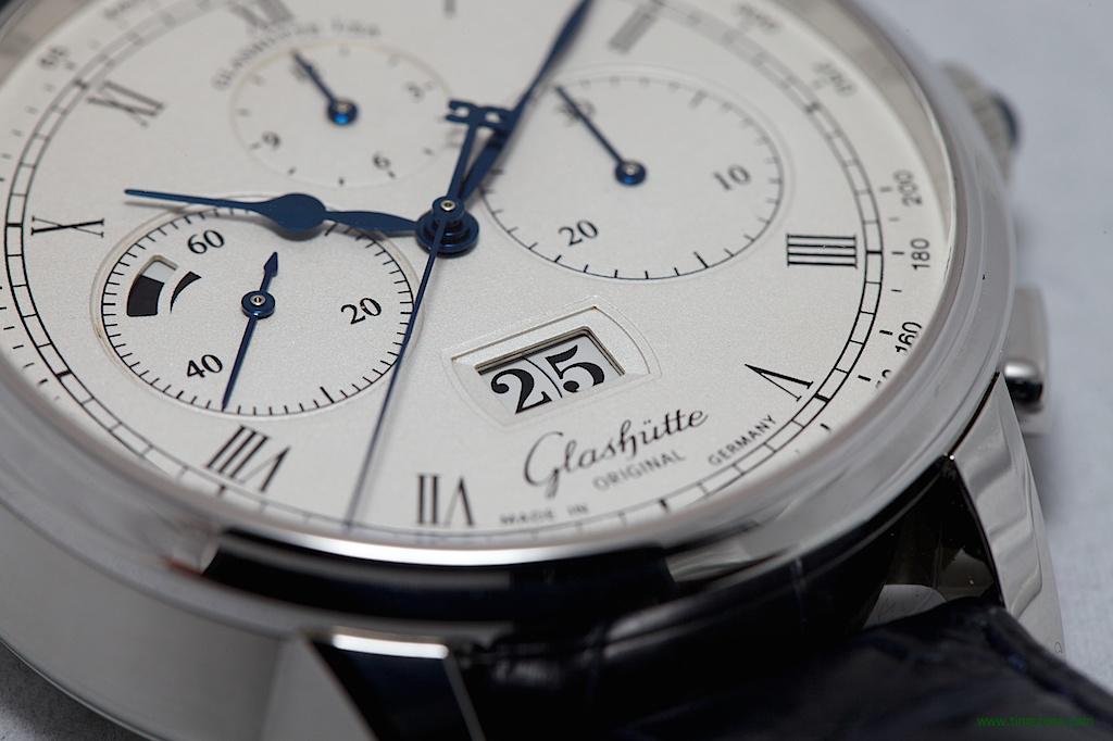 Senator Chronograph Panorama Date, Caliber 37, Glashütte Original 1-37-01-02-03-50