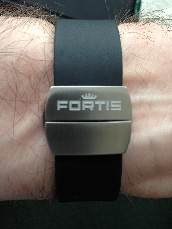 FORTIS Aquatis Diver, Aquatis Diver review, Fortis review, Fortis 42mm Aquatis Diver